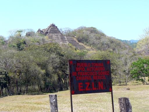 Pyramiden und EZLN