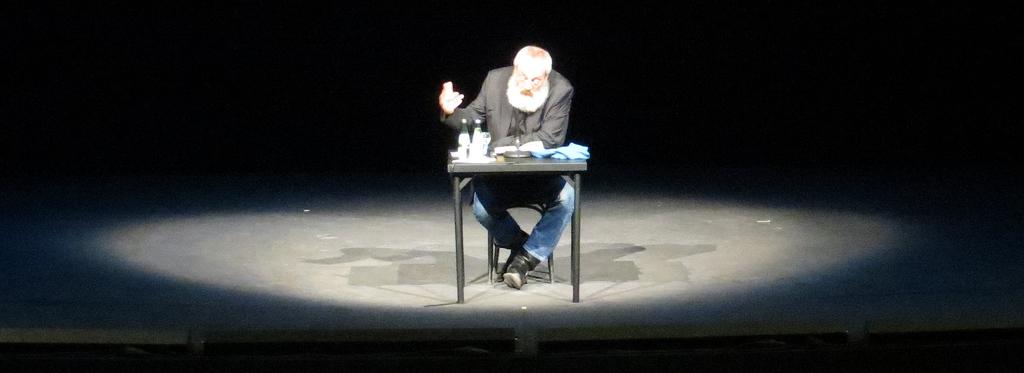 Rowohlt liest ringelnatz und erzählt zwischendurch kleine Geschichten.