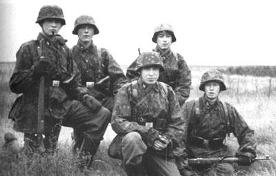 Finnische SS-Freiwillige im Truppenlager Gross Born, 1941.