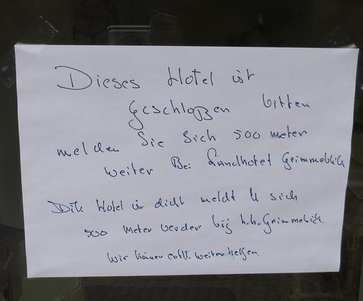 Hilfe für verzweifelte Gäste gibt es zur Zeit nebenan im Hotel Grimmeblick.