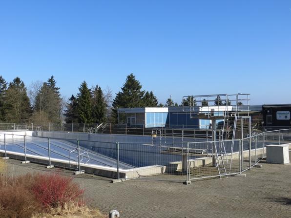 Das Winterberger Freibad im März 2014 (foto: zoom)