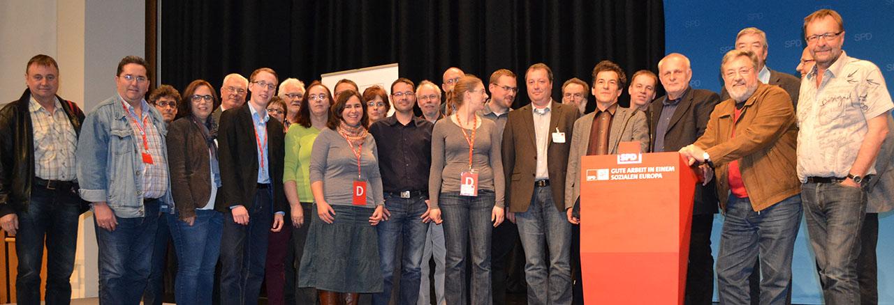 Die AfA-Delegation der NRWSPD –darunter auch die Delegierten aus dem Hochsauerlandkreis - mit ihrem neugewählten Bundesvorsitzenden Klaus Barthel, MdB aus Bayern (foto: wiegelmann)