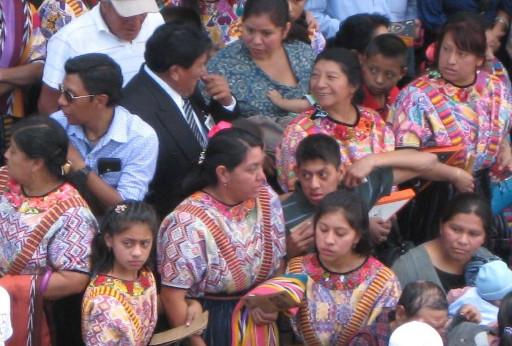 Guatemalteken in Trachten