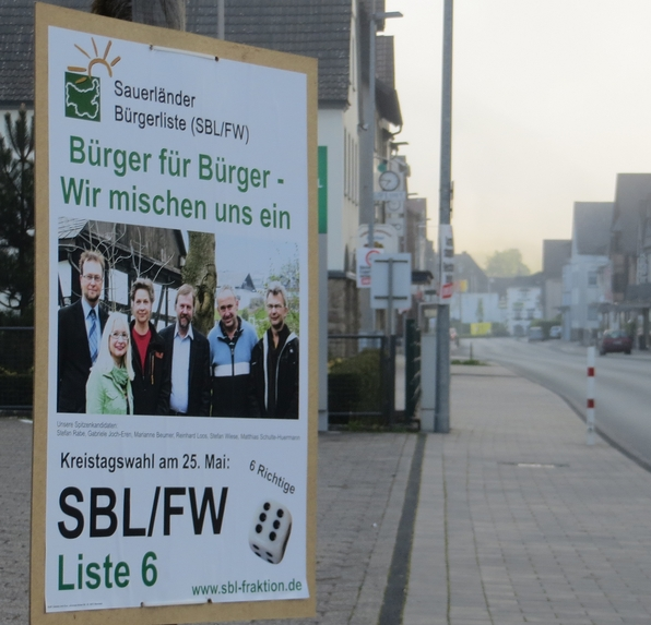 Vor den Wahlen  in Hachen: SBL-Plakat (archiv: zoom)