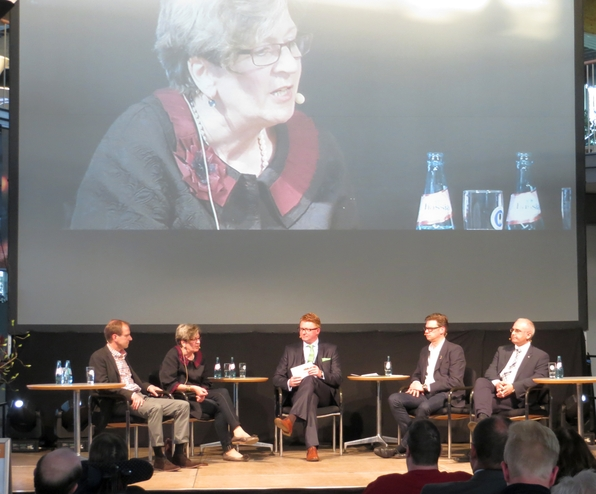 Diskussion der vier BM-Kandidaten im Autohaus Witteler (foto: zoom)