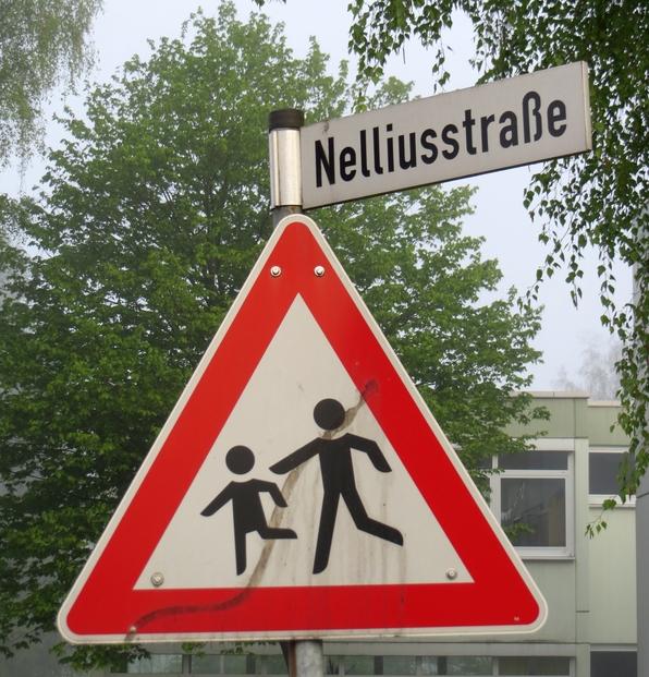 Im Ortsteil Sundern-Hachen bald Geschichte: die Nelliusstraße (foto: zoom)