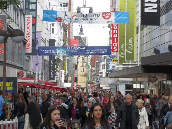 Immer wieder ein großes Gewusel in der Dortmunder Innenstadt (foto: zoom)