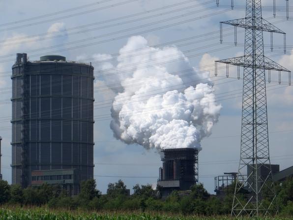 Das Ruhrgebiet ist kein komplett totes Industriemuseum. Manchmal wird hier auch noch Dampf abgelassen.