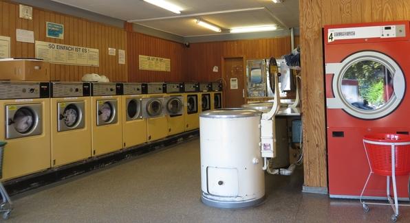 Zehn Waschmaschinen, fünf Tümmler und zwei Schleudern (fotos: zoom)