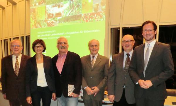 Klaus Bauerdick (Landwirtschaftlicher Verband HSK), Annette Watermann-Krass (MdL), Wilhelm Priesmeier (MdB), Robert Kirchner-Quehl (FES), Hubert Stratmann (Landwirtschaftskammer NRW), Dirk Wiese (MdB)