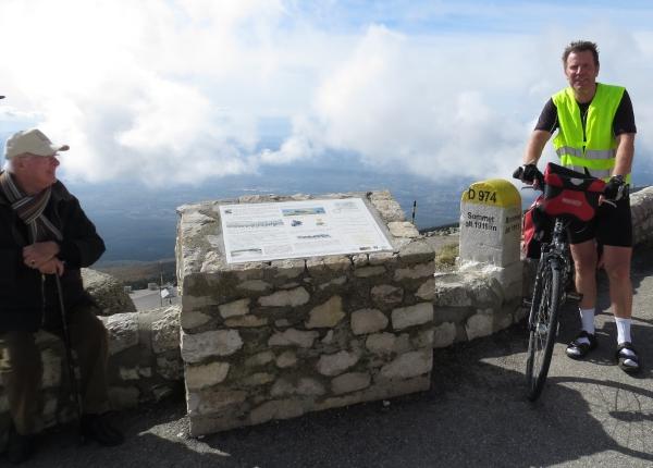 Seit Jahrzehnten will ich mit dem Rad auf den Mt. Ventoux. Endlich geschafft. (fotos: zoom)