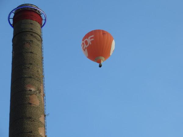 Runter kommen sie immer! Der ZDF Ballon könnte in der Glaubwürdigkeitskrise schon bald platzen. (foto: zoom)