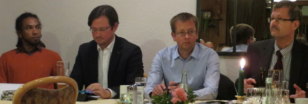 Yao Houphouet, Dirk Wiese, Burkhard Blienert und Michael Schult auf dem Podium (foto: zoom)