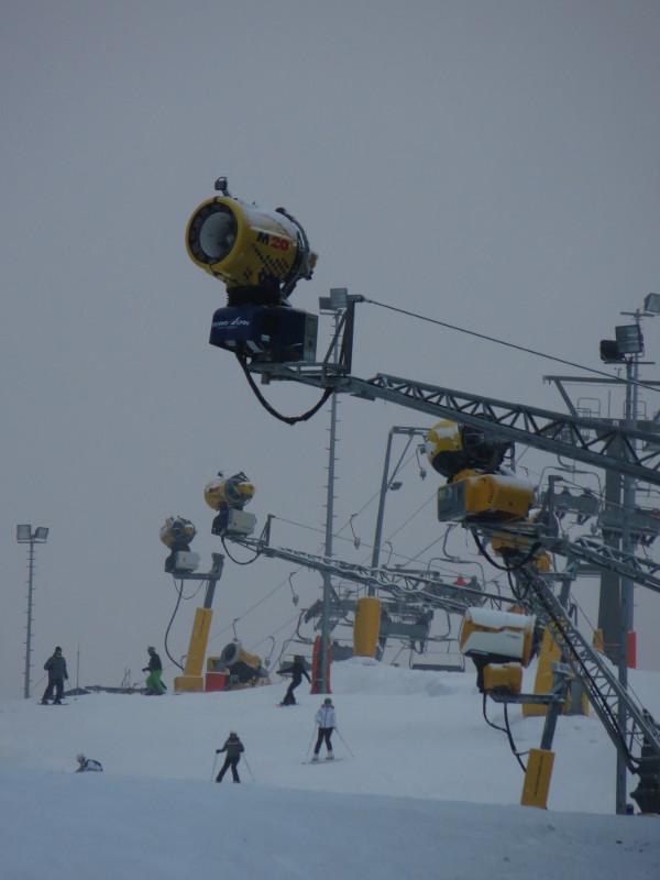 Skifahren in Winterberg funktioniert mit maschineller Unterstützung. (foto: zoom)