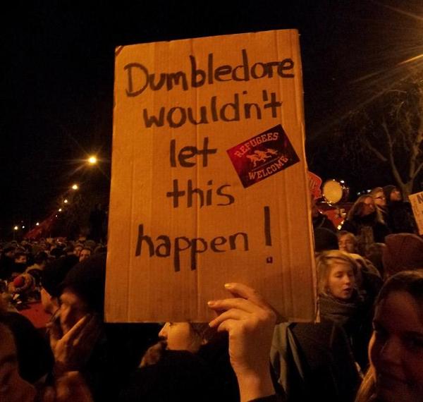 Die Stimmung unter den Demonstrantinnen und Demonstranten blieb friedlich, locker und humorvoll.