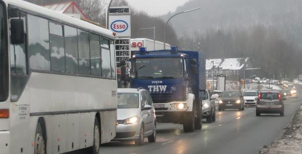 Schon am heutigen Samstagnachmittag staut sich der Rückreiseverkehr aus den Skigebieten. (foto: zoom)