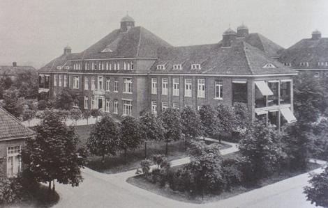 """(2) AK Barmbek - nach Eppendorf das zweitgrößte Krankenhaus  Hamburgs (Teilansicht: einer der typischen """"Pavillons"""")"""