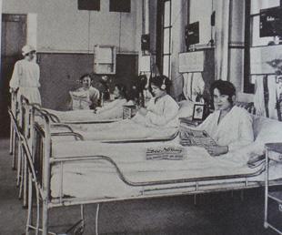 (6) Radiokopfhörer für Kassenpatientinnen