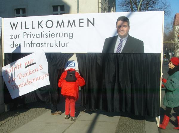 """Aktion """"Gabriel stoppen!"""" am 26.02.2015 (foto: GIB)"""