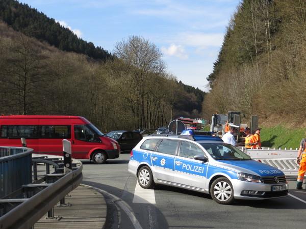 Heute Nachmittag war die die B 480 zwischen Steinhelle und Winterberg gesperrt. (alle fotos: zoom)