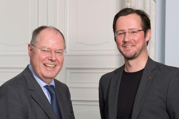 Peer Steinbrück und Dirk Wiese 2013 auf einer Veranstaltung des Seeheimer Kreises der SPD