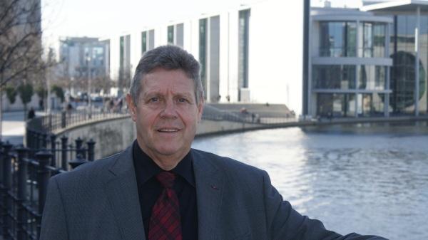 Der heimische SPD-Bundestagsabgeordnete, Dirk Wiese und sein Fraktionskollege und   Vorsitzender des Unterausschusses Bürgerschaftliches Engagement, Willi Brase aus Siegen, möchten am 02. Juni 2015 um 19:00 Uhr im Speiseraum der Schützenhalle Hüsten