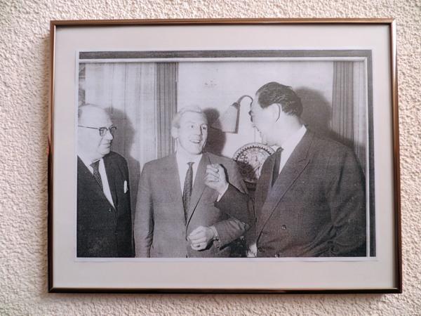 Im Hotel Tomfort hängt er an der Wand: Max Schmeling und ? (foto: zoom)