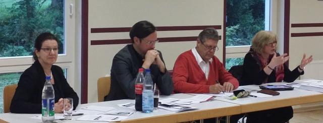 Foto v.l.: Margit Hieronymus (Vorsitzende SPD-Hüsten), Dirk Wiese (MdB) Willi Brase (MdB) Marita Gerwin (Fachstelle Zukunft Arnsberg) (foto: spd)