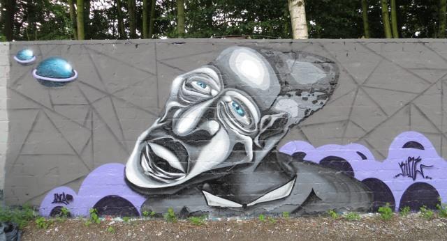 An der Graffiti-Mauer im Dortmunder Osten. (foto: zoom)