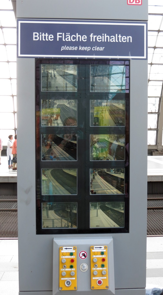 Die Beobachtung beobachten. Berlin Hbf. (foto: zoom)