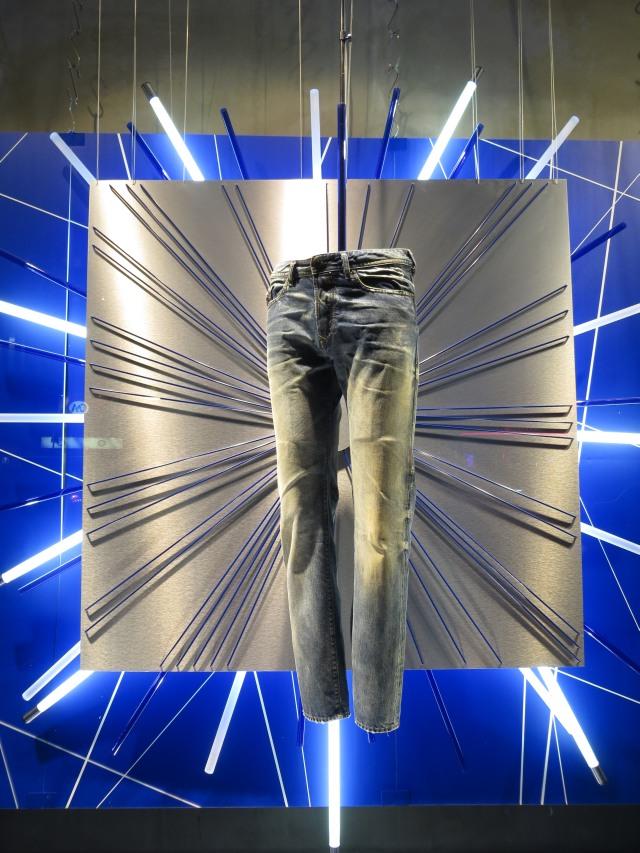 Sieht es bei euch im Kleiderschrank auch so aus? (foto: zoom)