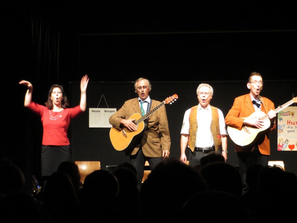 Die Daktiker trafen den Nerv ihres Publikums: Brigitte Lämbgen, Hans-Peter Königs, Hermann-Josef Skutnik und Andreas Boxhammer. (foto: zoom)