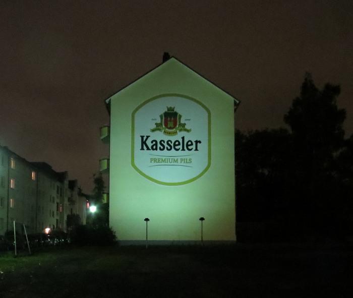 Kassel am Abend. Auch eine Welt für sich.
