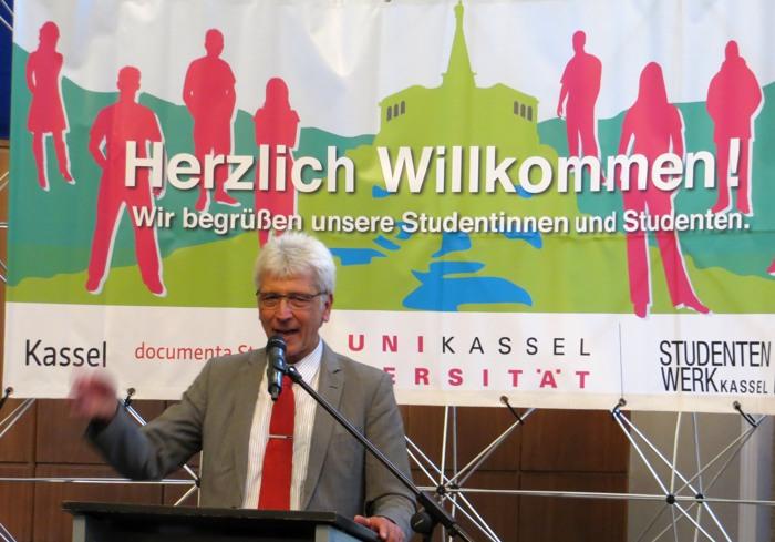 """Oberbürgermeister Bertram Hilgen: """"Besuchen Sie die GRIMMWELT!"""""""