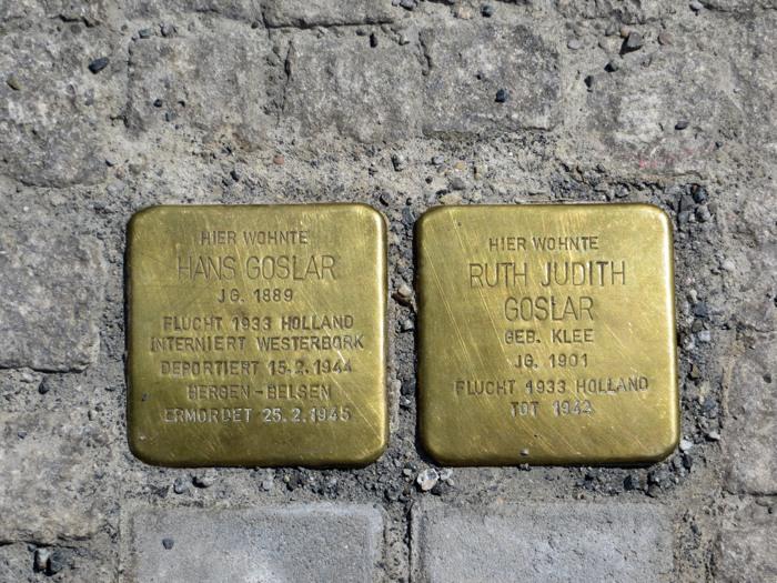 Stolpersteine für zwei von vielen. Hier in Berlin. (foto: zoom)