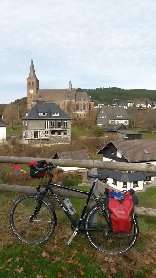 Und wieder ein wunderbarer Sommertag im November. Fahrradwetter pur. (foto: zoom)
