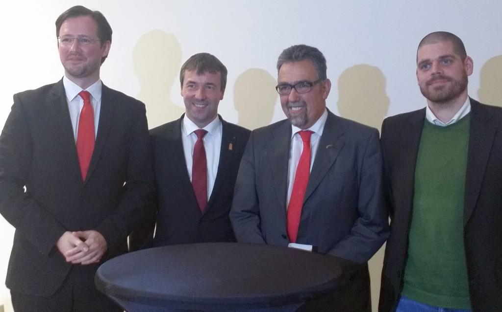Die Podiumsteilnehmer von links nach rechts: Dirk Wiese, Saathoff, Schneider, Ole (fotos: spd-pm)