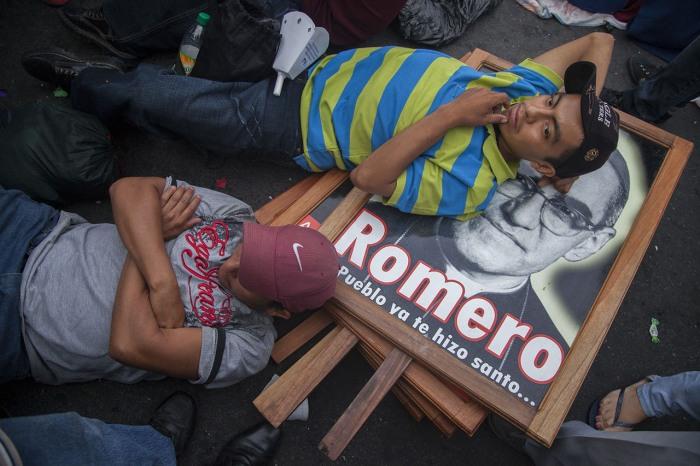 """Auf einem Platz in El Salvadors Hauptstadt San Salvador am 22. Mai 2015, dem Tag der Seligsprechung Oscar Romeros."" (Foto: Luis Astudillo C. / Cancillería; https://commons.wikimedia.org)"