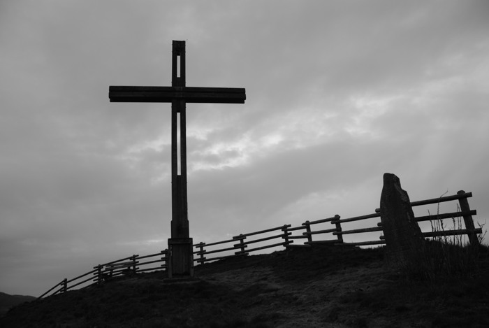Abends krank zum Kreuz gekrochen ... (foto: zoom)
