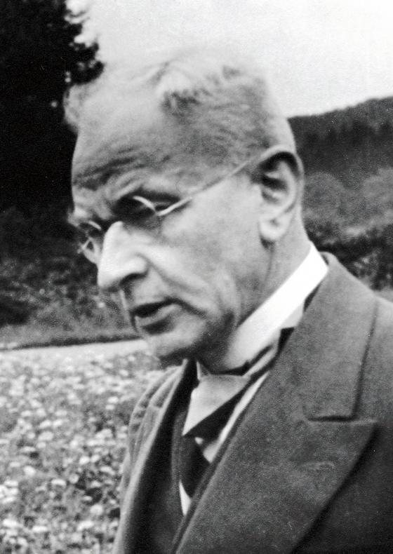 Der Sauerländer Franz Nolte (1877-1956) aus Hagen bei Sundern konnte sich nur schwer mit der Vorstellung abfinden, dass die plattdeutsche Alltagssprache seiner Kindheit einmal ganz verstummen sollte. (foto: mundartarchiv)