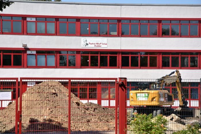Schullandschaft NRW: zwischen Baustelle und Moderne? Hier die Friedrich Althoff Sekundarschule am Niederrhein. (foto: zoom)