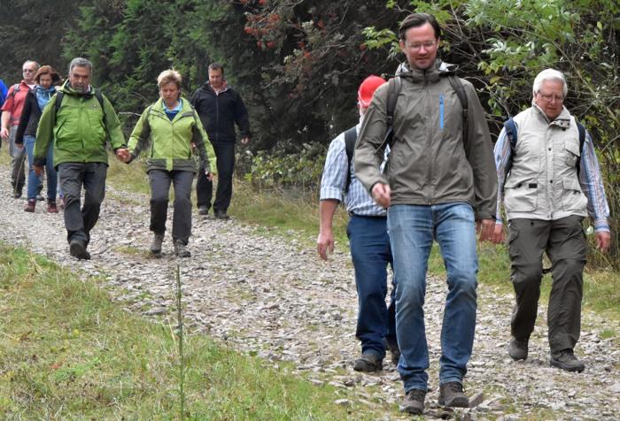 Am ende ging es nur noch abwärts. Dirk Wiese und GenossInnen am Sahnehang (foto: zoom).