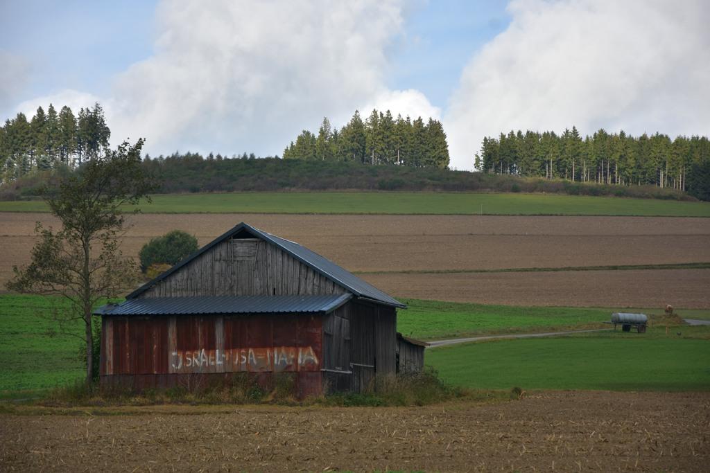 Politisch braune antisemitische Gülle findet sich leider auch für alle sichtbar im Hochsauerland.